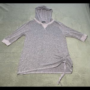 Active Zone hooded 3/4 sleeve top size XXL. Very good condition.
